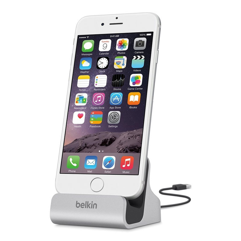 Belkin iPhone Charge and Sync Desktop Dock - Silver